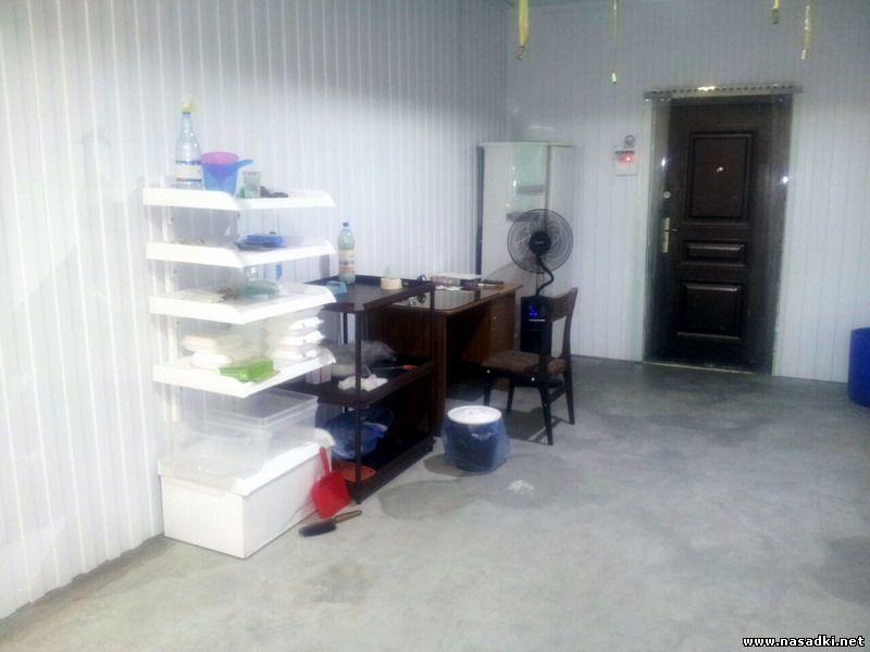 Рабочее место технолога в инсектарии на производстве опарыша
