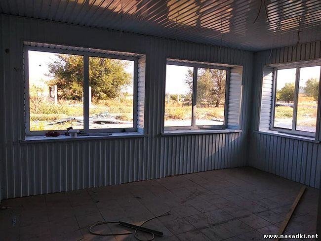 Строительство инсектария для мухи черная львинка в Киргизии - www.nasadki.net