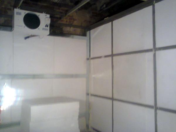 Строительство холодильной и морозильной камер производства опарыша