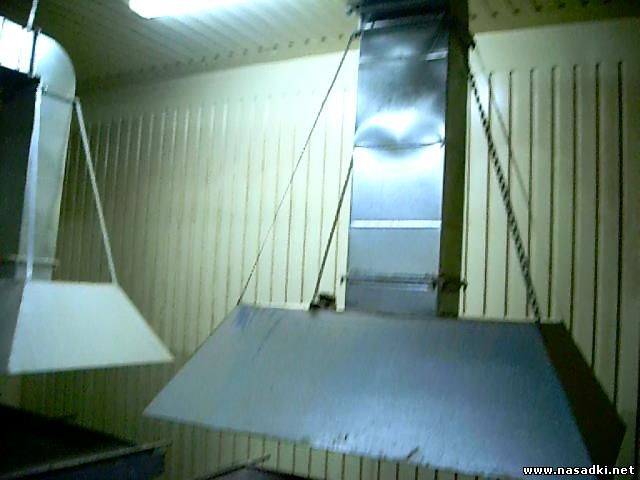Монтаж вентиляции над бункерами для выгонки опарыша