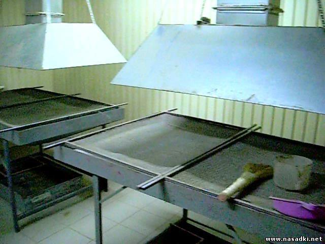 Монтаж вентиляции над бункерами для очистки опарыша