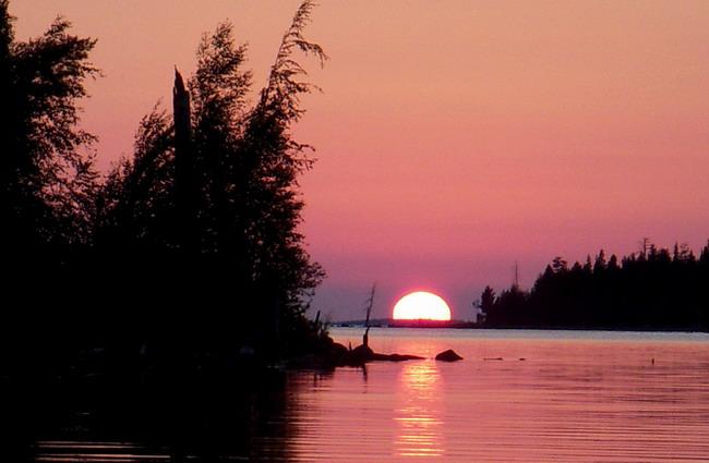 рассвет на реке